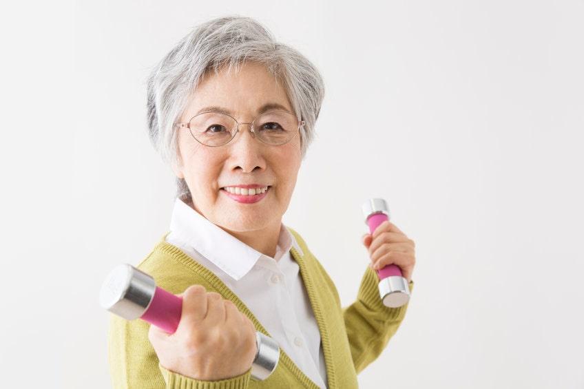 高齢者に筋肉をつける食事とは?手軽に栄養を摂る方法も紹介