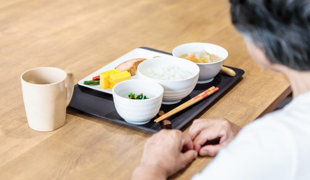 高齢者の食事量の目安はどれくらい?必要な栄養素は?